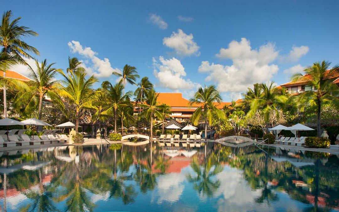 Gorgeous Hotel Pool Bucket List