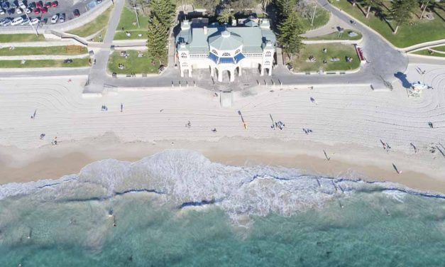 Where To Swim in Perth: Beautiful Beaches, Pools and Hotels